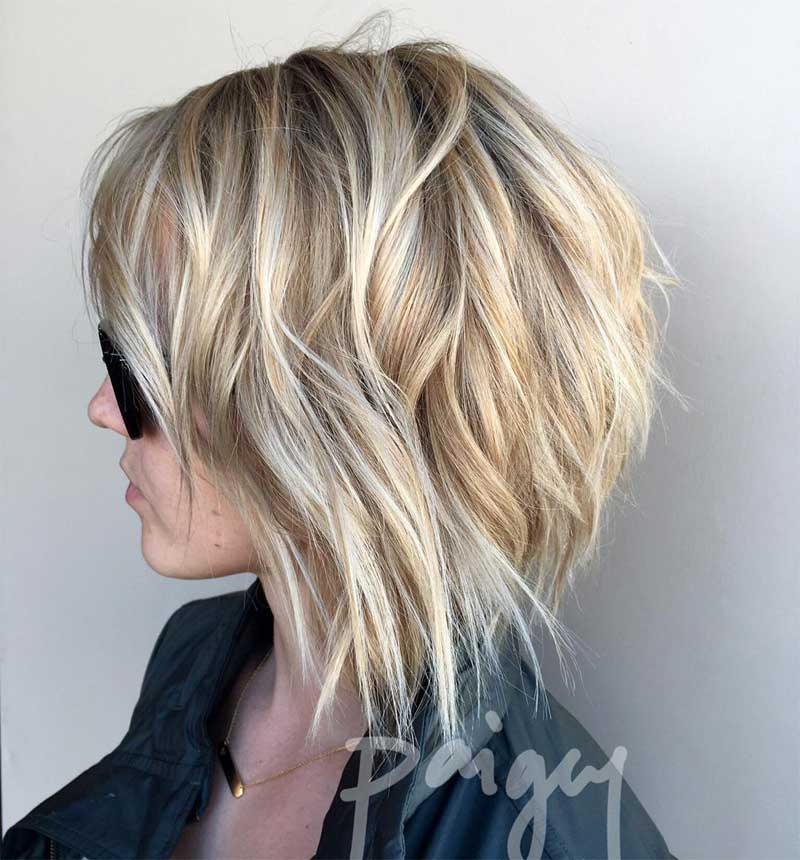 Messy Bob Hairstyle with Lowlights